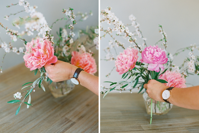 DIY | How to Make a Summer Flower Arrangement with Rebecca Dawn Design | Adding Primary Flowers | Pink Peonies // JustineCelina.com