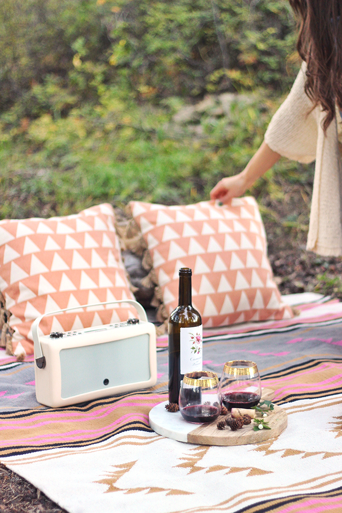 A Mini Mountain Getaway | A Rocky Mountain Picnic with Wine near Calgary, Alberta | VQ Hepburn Mk II Radio in Cream // JustineCelina.com