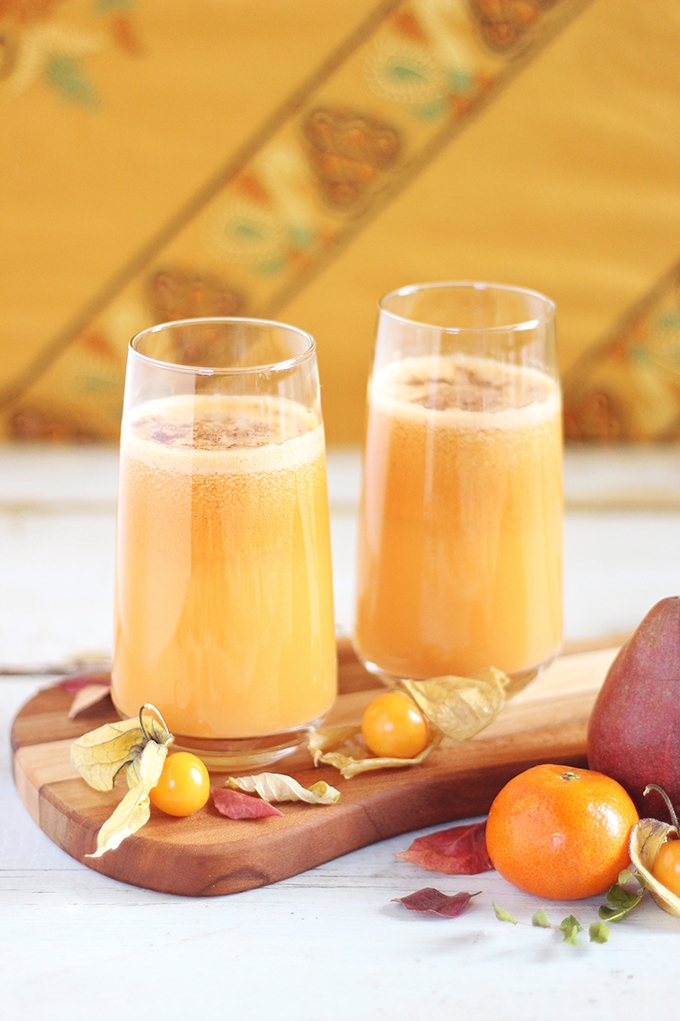 Autumn Energizer Juice with Cinnamon & Nutmeg // JustineCelina.com