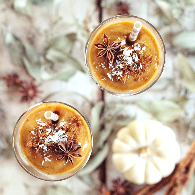 Spicy Pumpkin Persimmon Smoothie // JustineCelina.com
