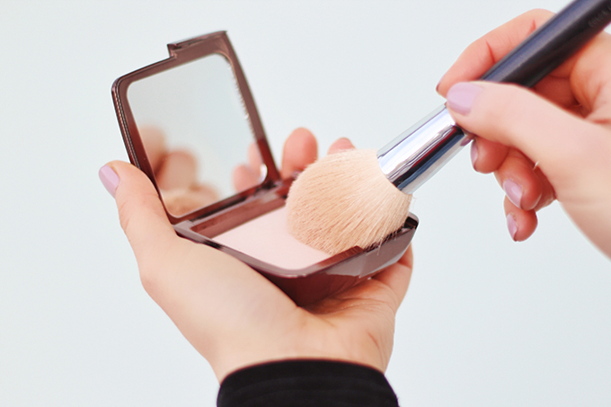 My Routine for Flawless Looking Skin   Hourglass Ambient Lighting Powder in Dim Light Photos, Review, Application // JustineCelina.com