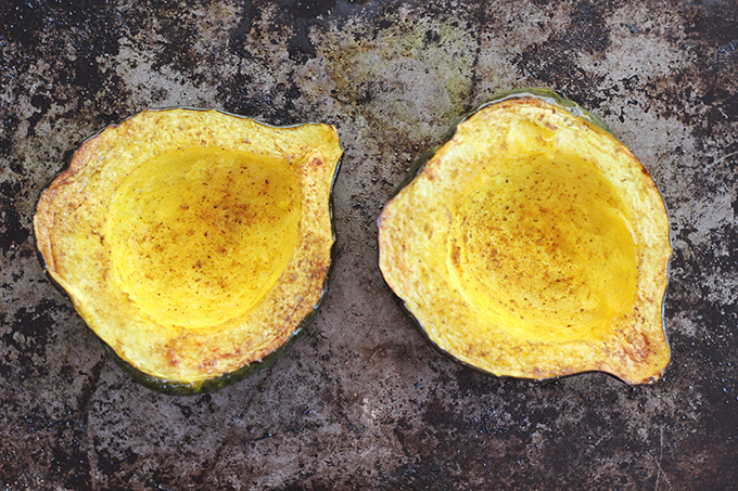 How to Roast an Acorn Squash // JustineCelina.com