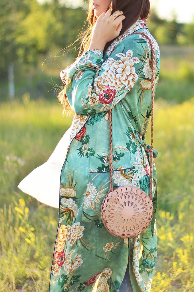 Summer 2017 Trend Guide | Kimono Love | Circular, Cross Body Bags // JustineCelina.com