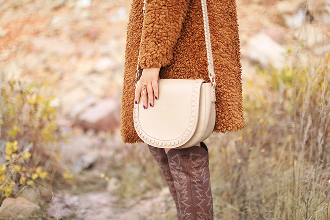 Autumn 2017 Trend Guide   That 70's Style   Sole Society Clovey Bag in Taupe // JustineCelina.com