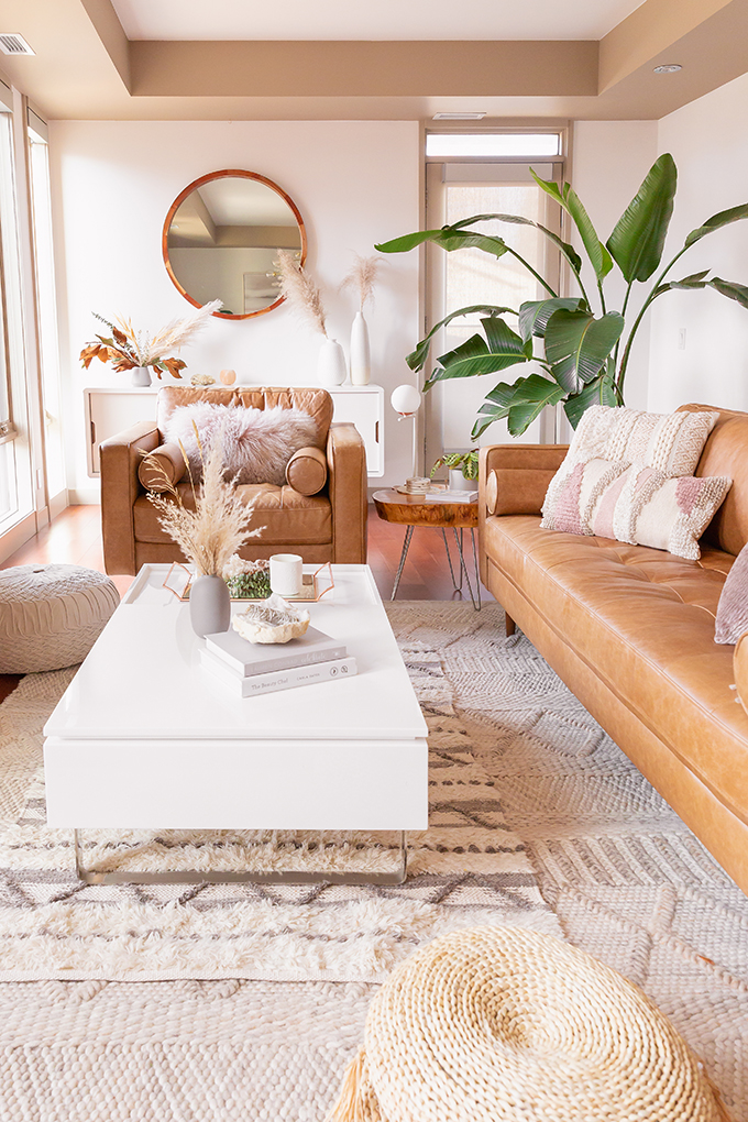 All About Pampas Grass | Pampas Grass Decor | A Bohemian, Mid-Century Modern Living Room featuring Pampas Grass Dried Decor | Pampas Grass Care and Conditioning | How to Stop Pampas Grass from Shedding | Pampas Grass Decor 2019 | Where to Buy Pampas Grass in Canada | Where to Buy Pampas Grass in Calgary | Dried Pampas Grass Arrangement Ideas | Bohemian, Mid Century Modern Decor | Mature Bird of Paradise Plant | Calgary Lifestyle Blogger // JustineCelina.com