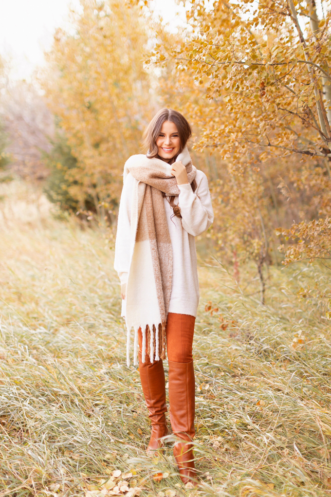 Casual Fall Style Staples | Casual Thanksgiving Outfit Ideas | Thanksgiving Outfit Ideas for Cold Weather | Canadian Thanksgiving Outfits | Casual Family Holiday Dinner Outfit Ideas | Family Thanksgiving Outfits | Bohemian Thanksgiving Outfit Ideas | Casual Boho Fall Outfit | The Best H&M Sweaters | Joe Fresh Faux Leather and Suede Leggings Review | Great Pyrenees | Brunette Woman Wearing a Casual Fall Thanksgiving Outfit | Calgary Fashion & Lifestyle Blogger // JustineCelina.com