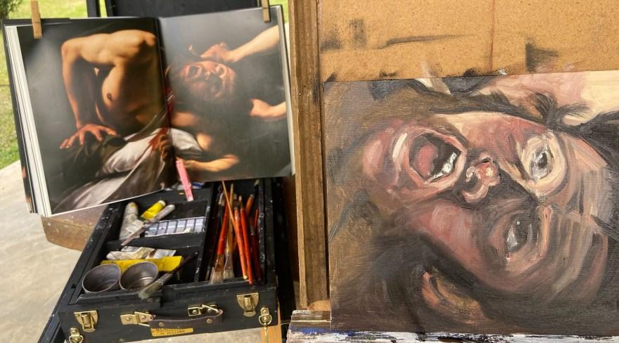 """Retratos Contemporâneos - 17: """"Judite e Holofernes après Caravaggio"""" , Justino, óleo em canvas board, 23 x 30 cm 2021."""