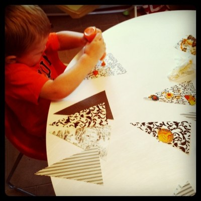 Fall Paper Bunting {toddler craft}