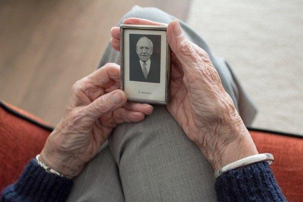 adición de herencia a la herencia de una viuda que muere