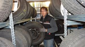 Wenn bei mir mit den Reifen was nicht stimmt, kommt gleich das Gewerbeaufsichtsamt.