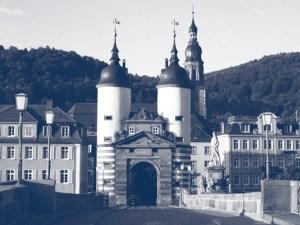 Seiler & Genossen präsentieren sich auf ihrer Internetseite mit dieser Heidelberger Architektura: Als Raubritter dieser Zeit > von Burgmauern geschützt.