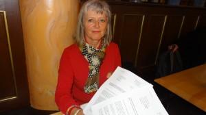 Frau Adrian kämpft mit ihrem Anliegen auch um eine prinzipielle Klärung ihrer Unfallfolgen und einen angemessenen Schadensausgleich.