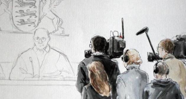 Filmen und Fotografieren in Karlsruher Amtsgericht geht das nur auf Antrag.