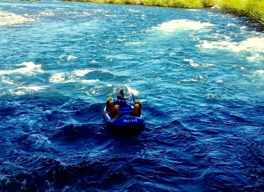 Blue White Water Raft in Pucón Chile