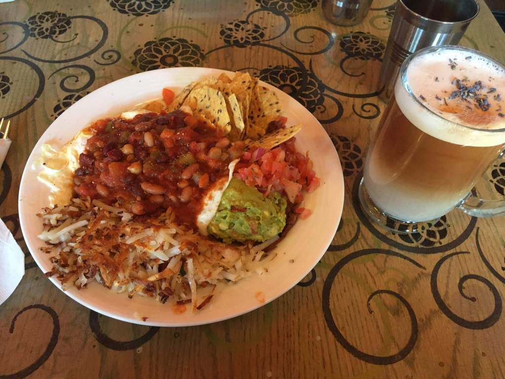 Lavender London Fog and Huevos Rancheros in Kelowna BC