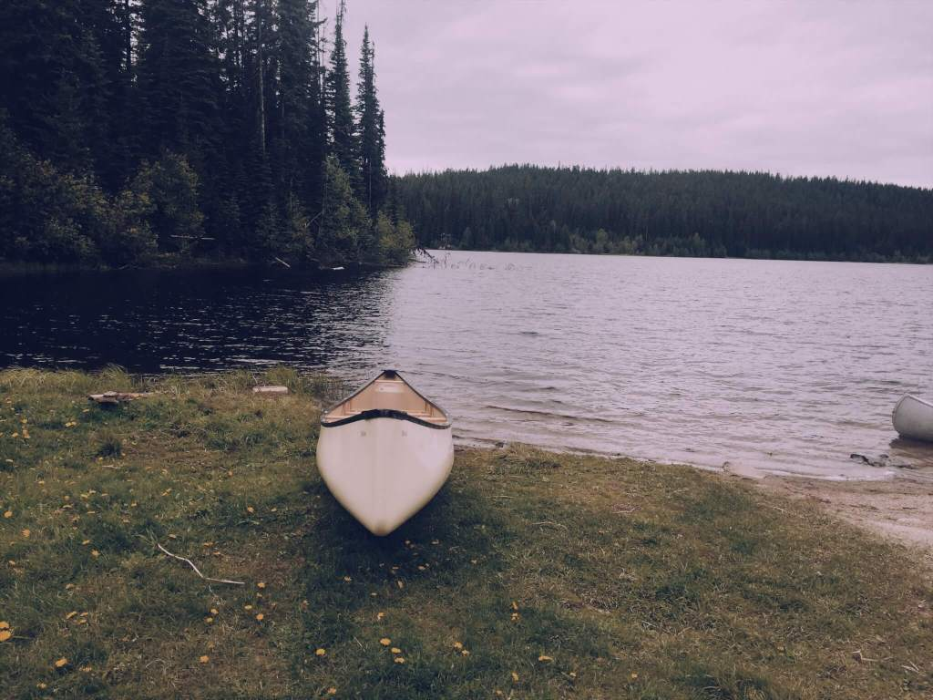 What to do in Kelowna | Canoeing