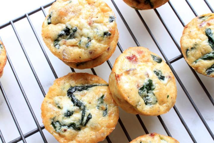 spinach & bacon crustless mini quiche