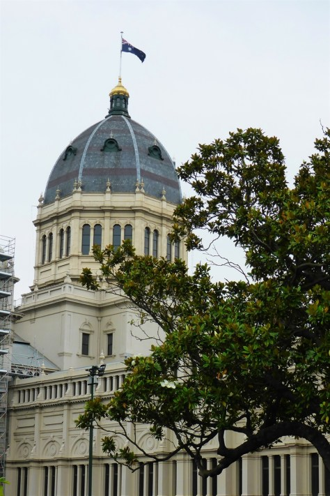 Gold crown on the dome
