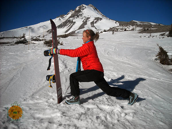 image of Snowboard lunge exercise demonstrated by Laura Cioleman