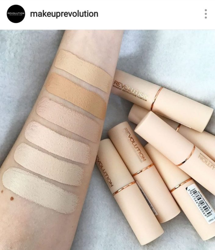 revolution fast base foundation swatch