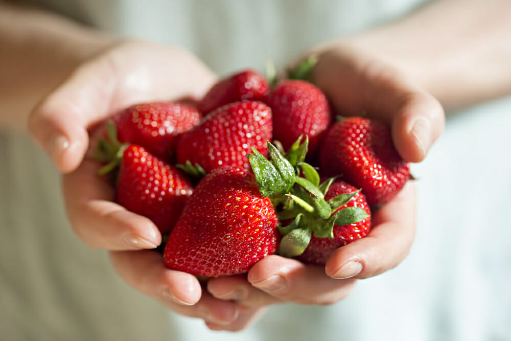 7 Amazing Health Benefits of Strawberries