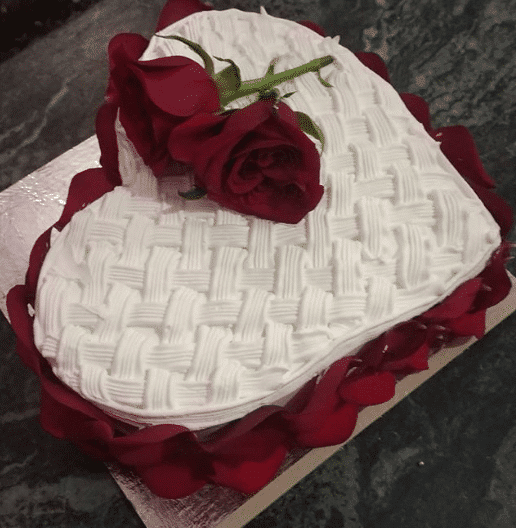 Heart Shape Cake With Rose Design