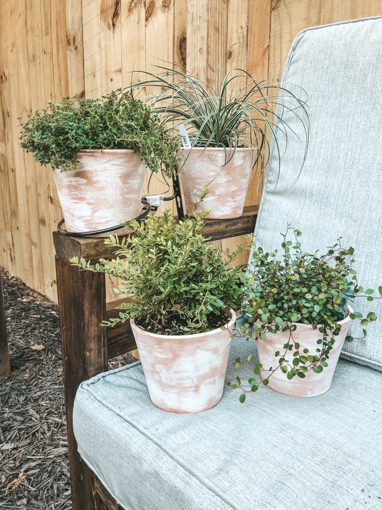 Whitewashed Terra Cotta Planter DIY | Just Peachy Blog