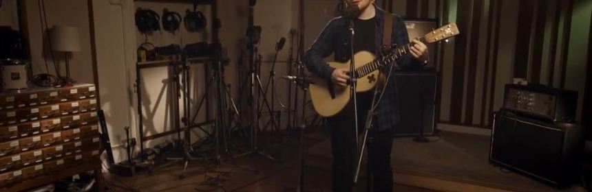 Ed Sheeran acoustic She Looks So Perfect