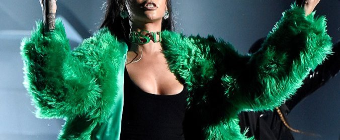 rihanna bitch better have my money iheartradio music awards 2015