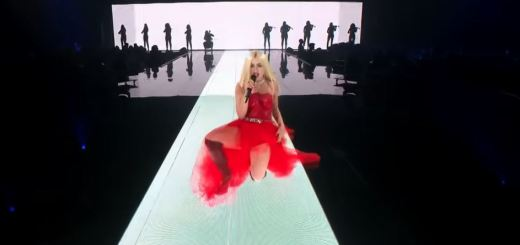 ava max torn sweet but psycho mtv emas 2019