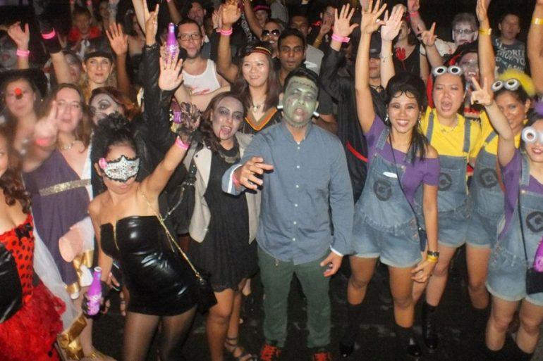 Halloween-Pub-Crawl-feature