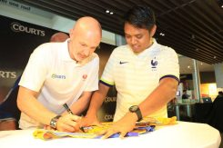 Courts x Frank Leboeuf - Meet & Greet Fans 25 Apr 2015 (7)