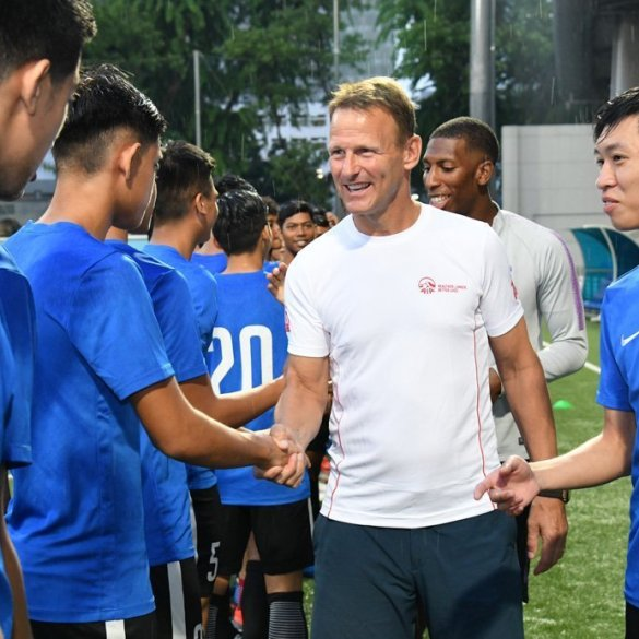 Teddy-SHeringham_-AIA-Singapore---020