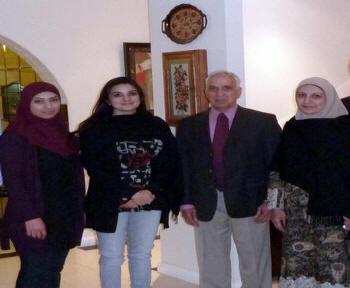 kshmala tariq in jeans