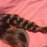 Golden brown, virgin, 15 y old hair. anastankovic340@gmail.com