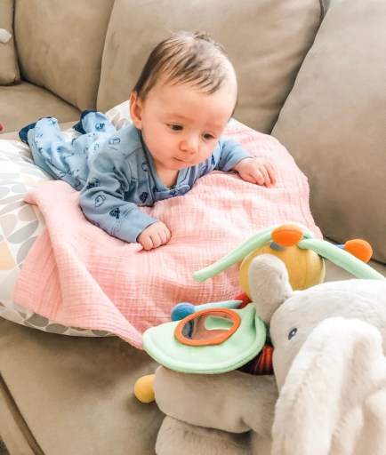A list of the most important, must-have items for your newborn. When bringing home a new baby, be prepared with products for sleep, feeding, and comfort.