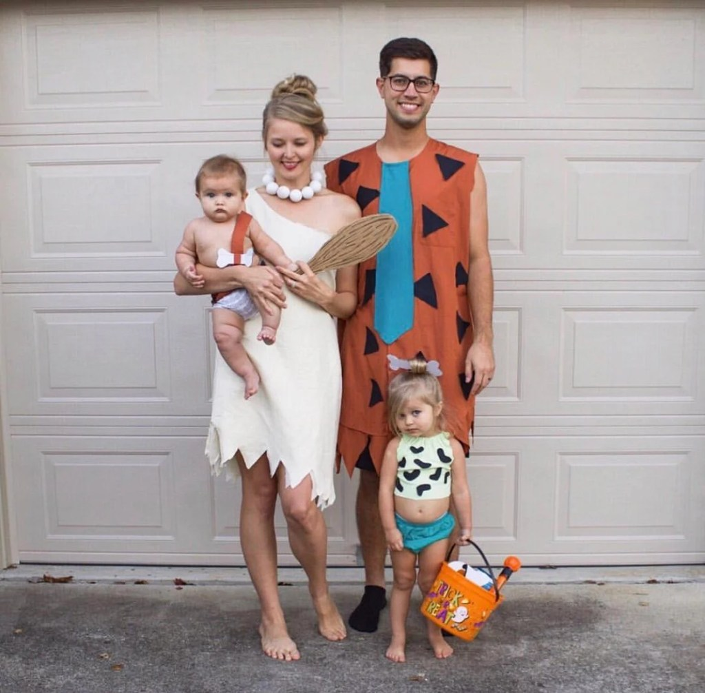 42 Awesome Family Halloween Costumes That You Ll Want To Try Just Simply Mom