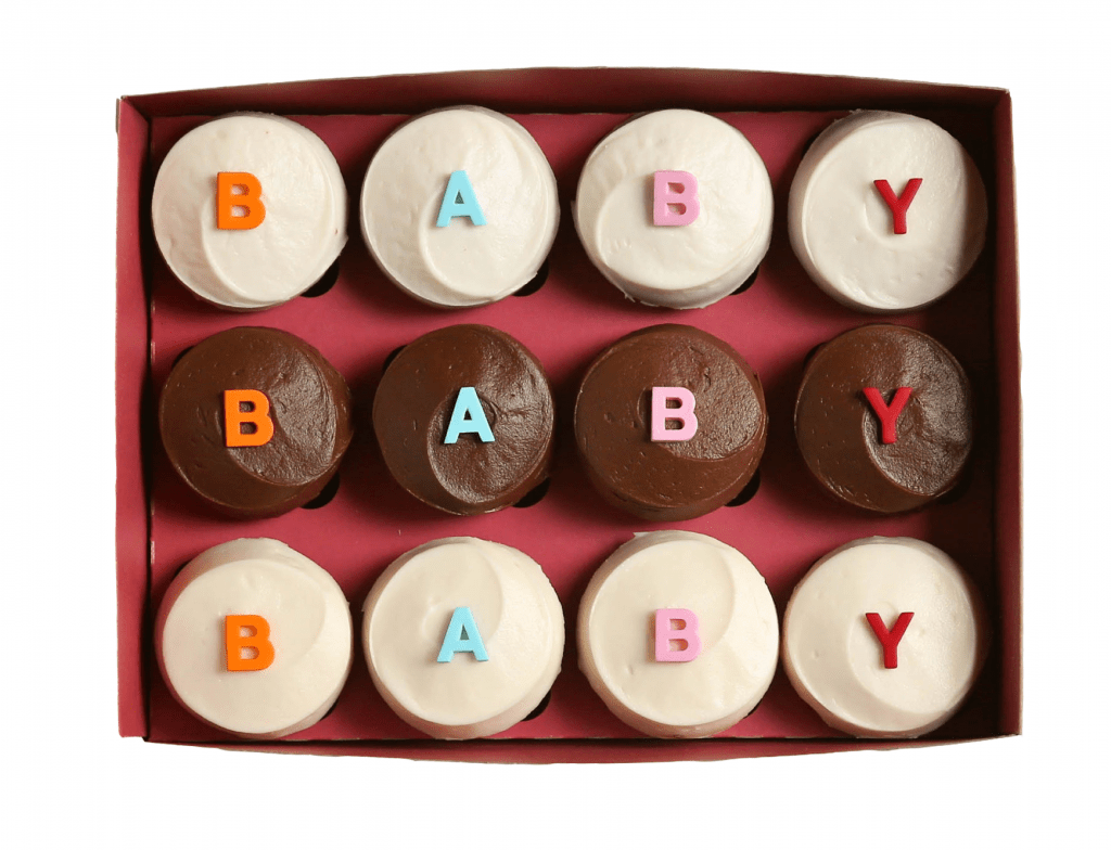 Clever & unique ways to tell your husband or boyfriend you're pregnant and they're going to be a dad! Find a sweet way to announce the news.