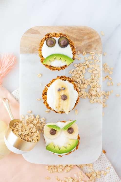 healthy halloween snack with yogurt