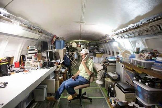 airplane-home-8