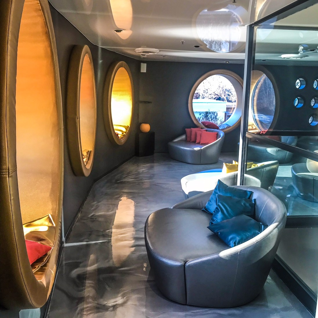 Bota Bota - Relaxation Room
