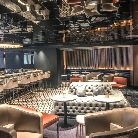Fairmont The Queen Elizabeth - Nacarat Bar - Interior