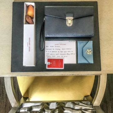 Fresh baked madeleines and welcome note from Auberge Saint-Antoine.