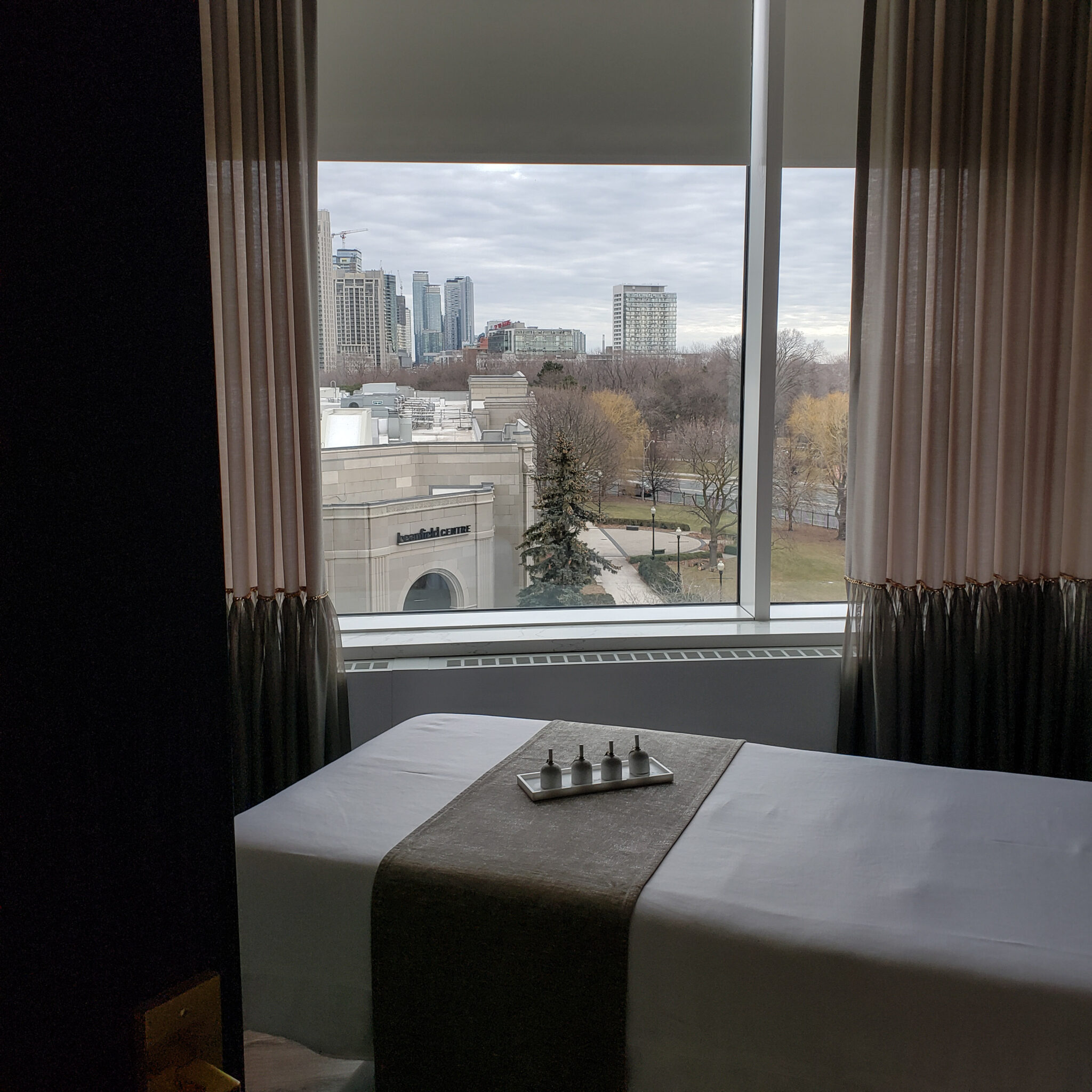 Hotel X Toronto - Luxury Resort - Guerlain Spa - Views