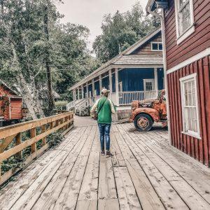 Visit Port Hardy - Vancouver Island North - Explore Canada - Hello British Columbia - Telegraph Cove - Boardwalk