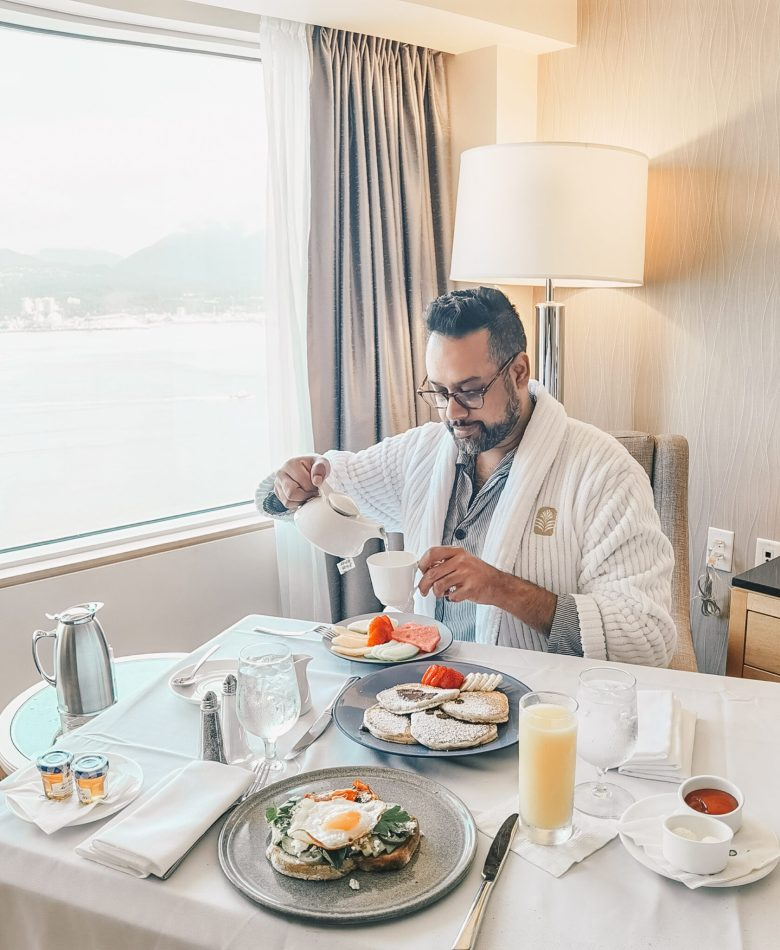 Pan Pacific Vancouver - Downtown Waterfront YVR - Room Service Breakfast