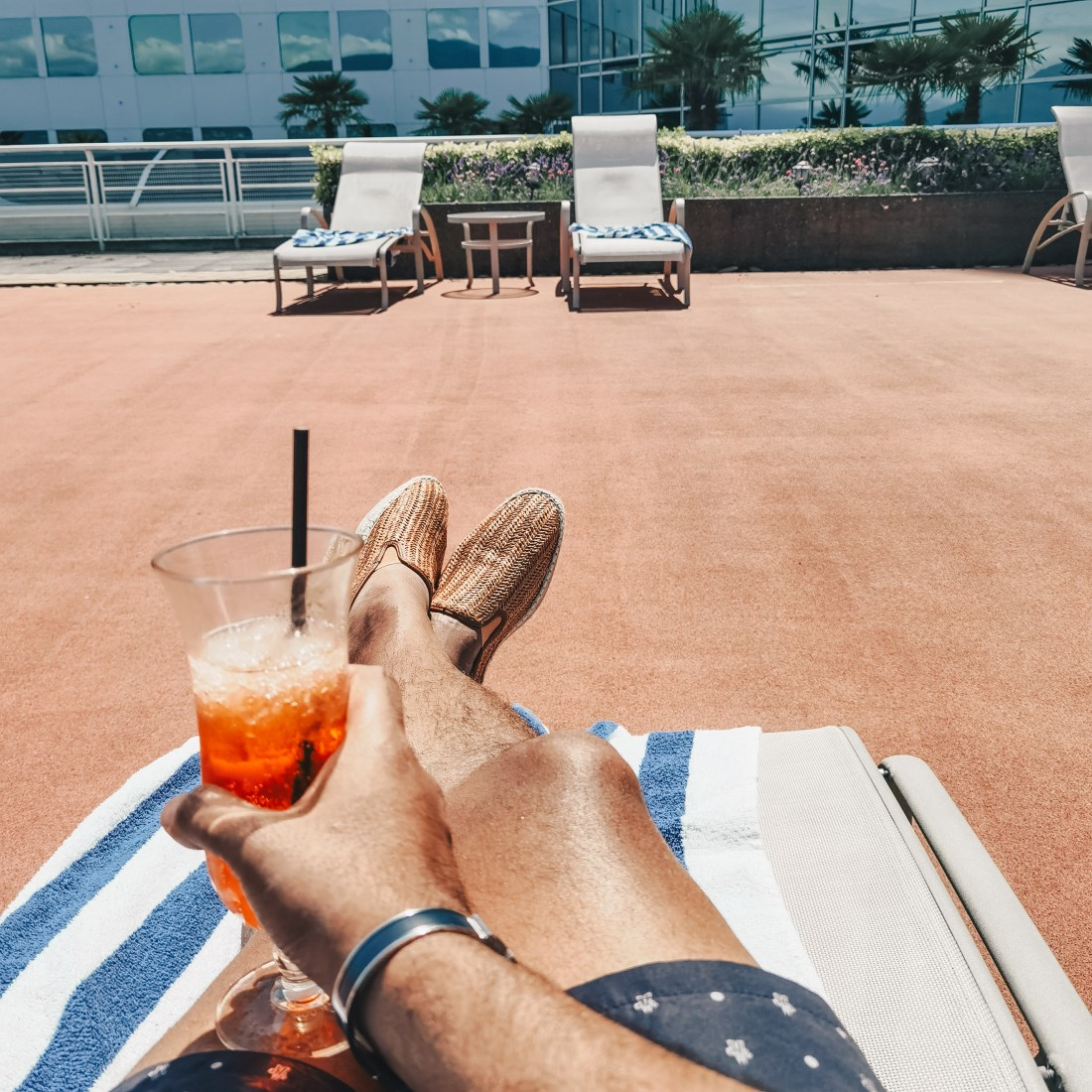 Pan Pacific Vancouver - Downtown Waterfront YVR - Aperol Spritz Poolside