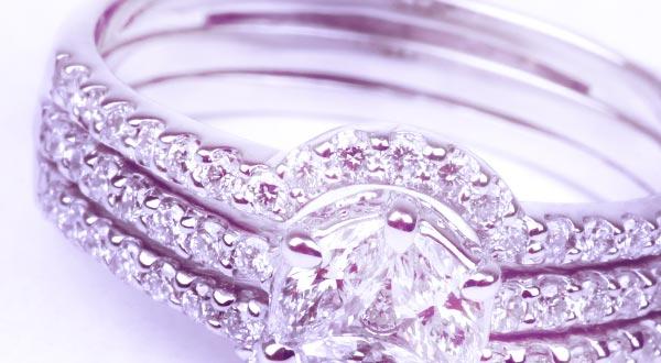 Borrow on jewellery and diamonds