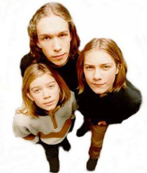 On further investigation it became clear that Hanson were in fact Triamese twins who shared four legs and three heads