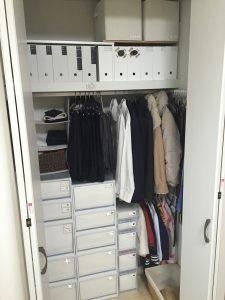 無印 衣装ケース リビング クローゼット 朝の支度 スーツ 手作りラベル スッキリ 白 黒